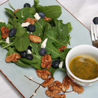 Baby Arugula with Blueberries and Walnuts