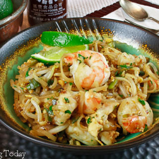 Pad Thai w/ Shrimp