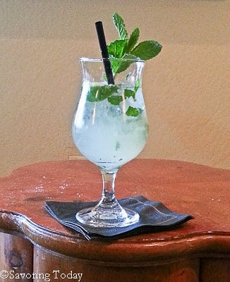 My first (ever) Mojito -- Mint & Lime -- Oh yes, a refreshing way to begin.