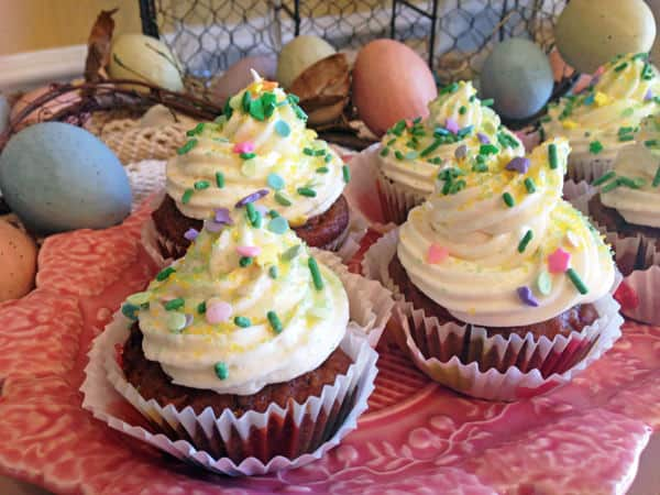 guest post -- Linda Savoring Every Bite -- cupcake buffet